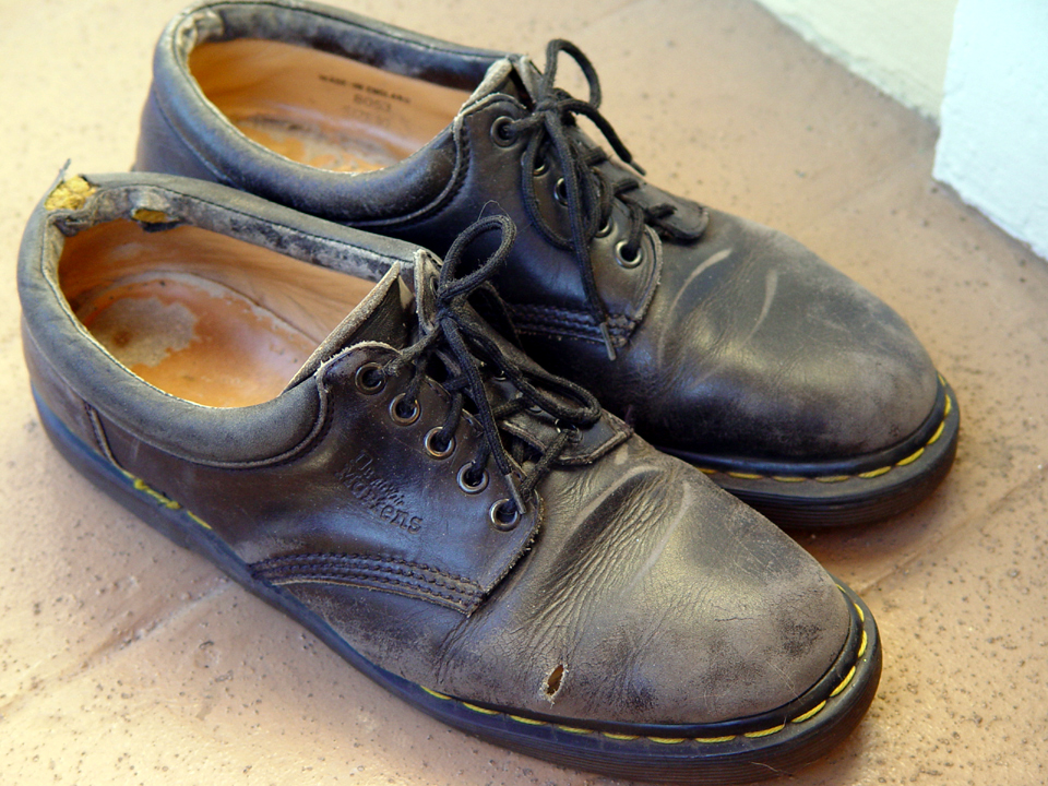 Did The Mossad Mess With His Shoes? #MossadStoleMyShoes