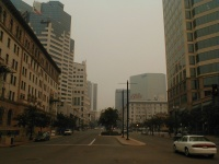 Looking east down Broadway Avenue at State Street. ( 1pm to 2 pm 27 Oct 2003)